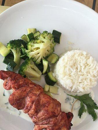 Le Carrousel de Vidy : Légumes grillés et poulet du menu !