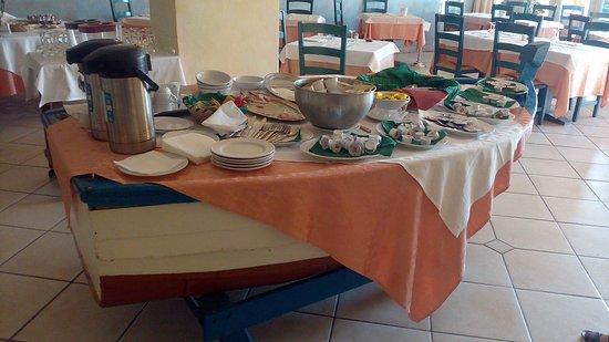 Colazione presso l'Hotel del Porto Cannigione