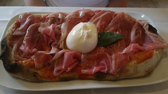 Castegnato, Italia: Pizza impasto Roma da urlo! Torta pere, ricotta e cioccolato, versato sopra, fuori di testa!