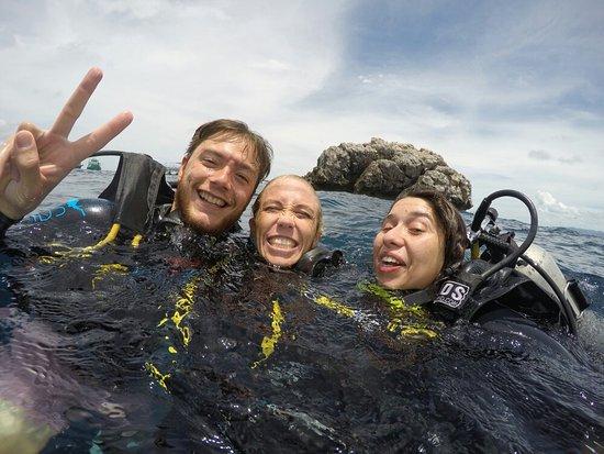 Phangan International Diving School : GOPR1244_1472545688462_high_large.jpg