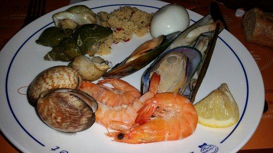 Saint-Saturnin, Francia: Endroit top et propre, très bon accueil,  personnel sympa, gdes variétés ds ts les buffets !