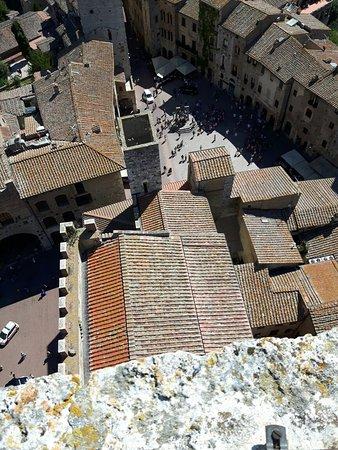 Palazzo Pubblico e Torre Grossa: Ingresso al palazzo del podestà e salita sulla torre