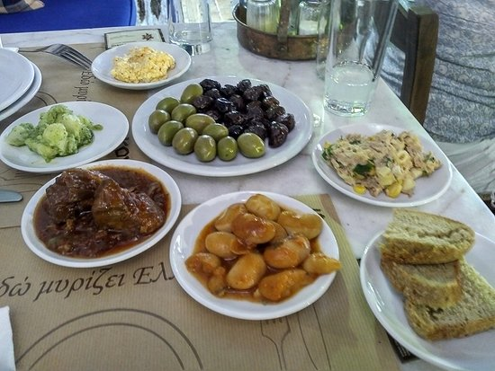 Koukos Restaurant: spicy feta, olives, potato salad, tuna salad, pork stew, bean stew