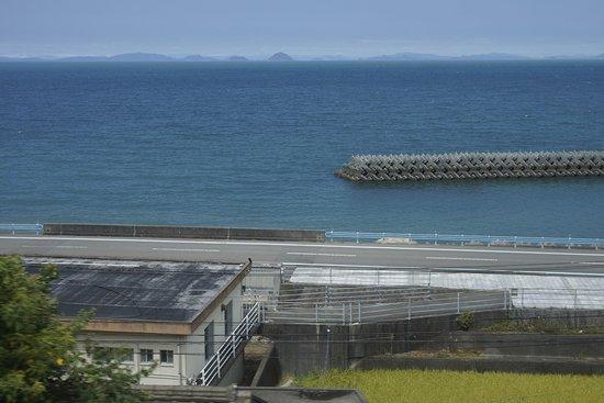 伊予市, 愛媛県, 下灘駅到着4分前の風景 車窓から