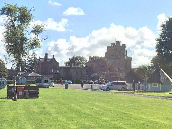 Lockerbie, UK: Hoddom Castle, chill pods