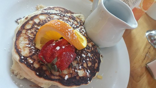 Field, كندا: Kids pancakes