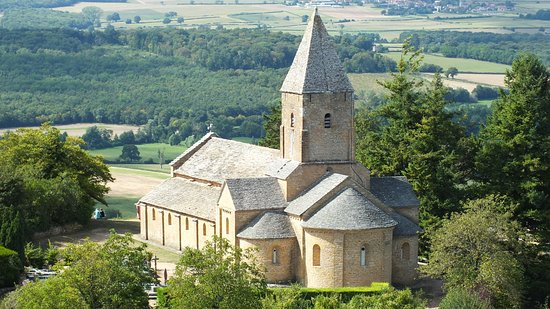 Martailly-les-Brancion, Frankrike: L'église