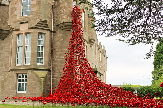 Perth, UK: Wonderful Weeping Window
