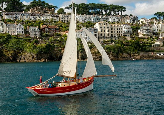 Polruan, UK: Sailing into Fowey harbour