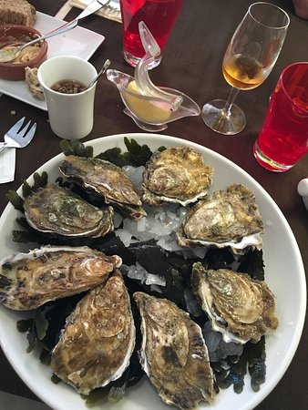 Oysters with lemon & dressing, moules frites