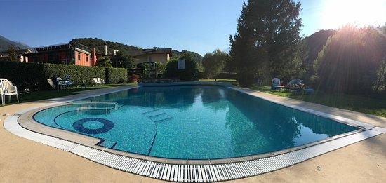 Padergnone, Italien: Piscina