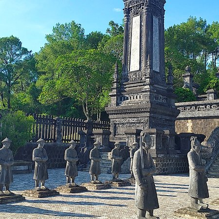 Ana Mandara Hue: Go see the palace and tombs of the last dynasty - the Nguyen kings.