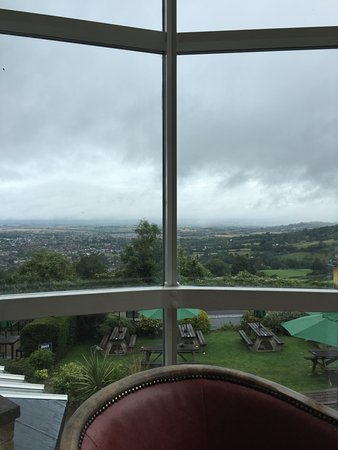 Cleeve Hill, UK: View from lounge area and garden