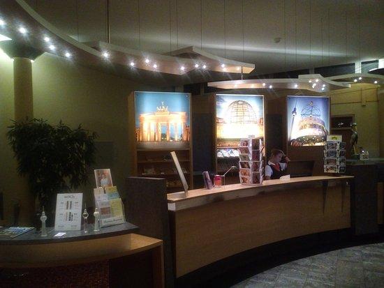 ABACUS Tierpark Hotel: Recepción