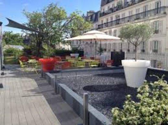 Mercure Paris Montmartre Sacre Coeur: 18.75 lounge