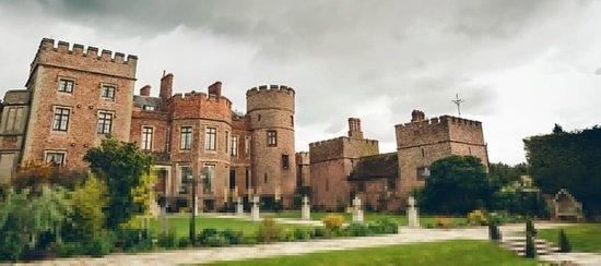 Halfway House, UK: The castle