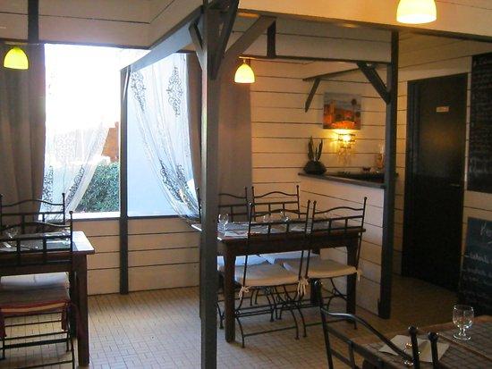 Pluvigner, Frankrig: salle donnant sur la terrasse