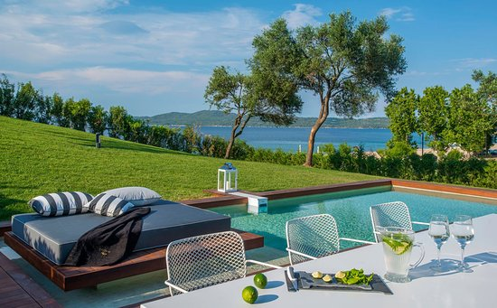 Avaton Luxury Villas Resort - Relais & Chateaux
