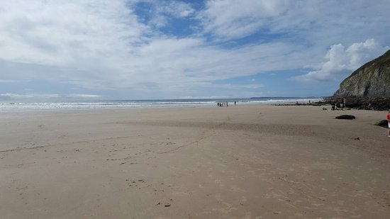 Beautiful day out in Pendine Sands.