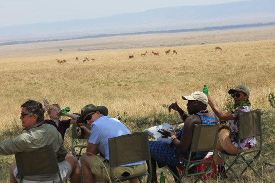 Entim Camp: Breakfast in the Mara