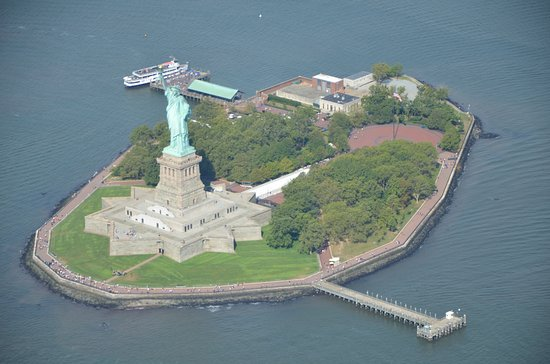 Helicopter Flight Services - Helicopter Tours: Liberty Island