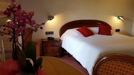 Hotel Pere Benoit : CHAMBRE TRADITION
