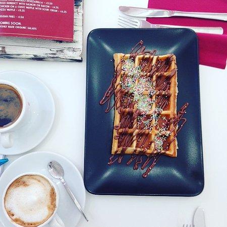 Ta' Xbiex, Malta: waffle and coffee