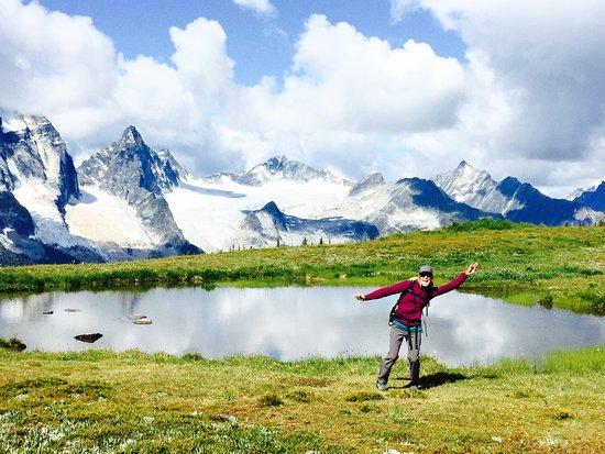 Purcell Mountain Lodge: Kristin at Reflection Lake
