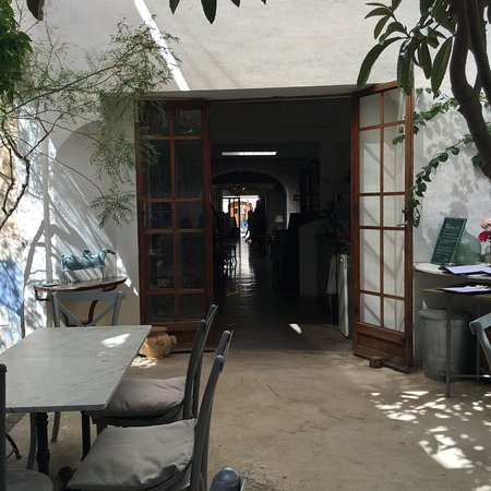 Fantastic cafe/fashion boutique with a shabby chic style. Great ...