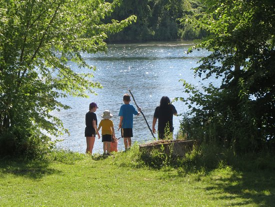 Ingleside, Canadá: Looking for crayfish