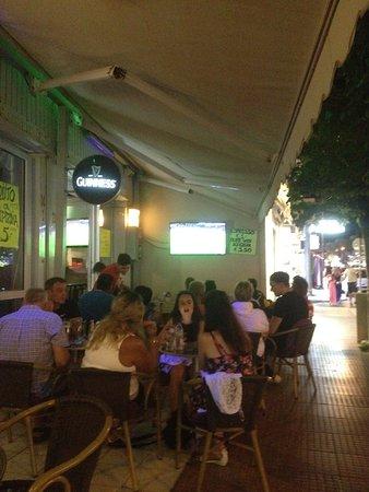 Milosbar: Football time icehokey