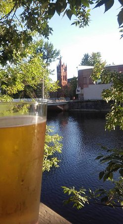 Potsdam, Нью-Йорк: Beautiful night, great dinner, and cold beer!