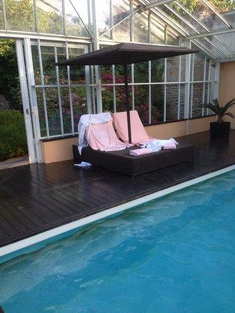 Sully, Frankrijk: La piscine chauffée