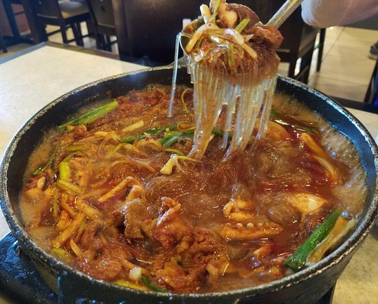 Shoreline, WA: Oh-Sahm, Calamari and Pork in spicy sauce with noodles