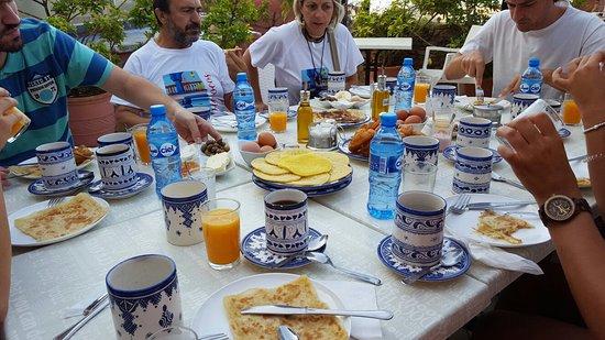 Dar Meziana Hotel: 20160816_093750_large.jpg
