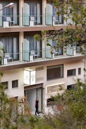 Acropolis Hill Hotel: facade