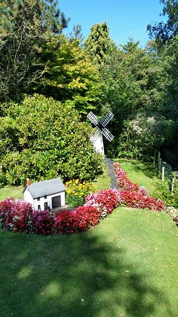 Blackpool Model Village & Gardens: 20160829_144309_large.jpg