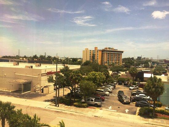 Miami Springs, FL: Drive-Thru