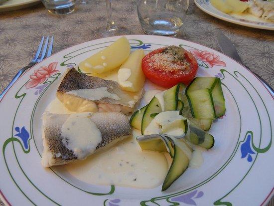 Sainte-Eulalie-d'Olt, Francja: Sandre et ses petits légumes