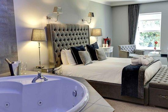 Jacuzzi room picture of moor hall hotel spa bw - 2 bedroom suites in birmingham al ...