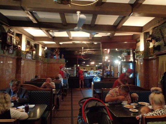 Солянка: Зал кафе