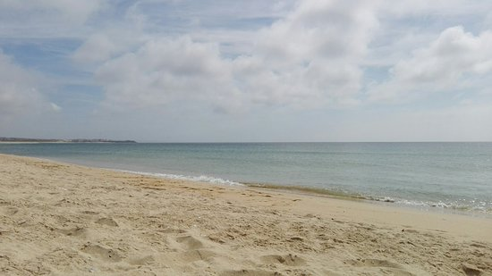 Molhe Leste Beach