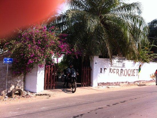 Hôtel le Perroquet : photo0.jpg