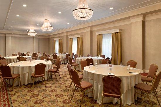 Frontenac Meeting Room