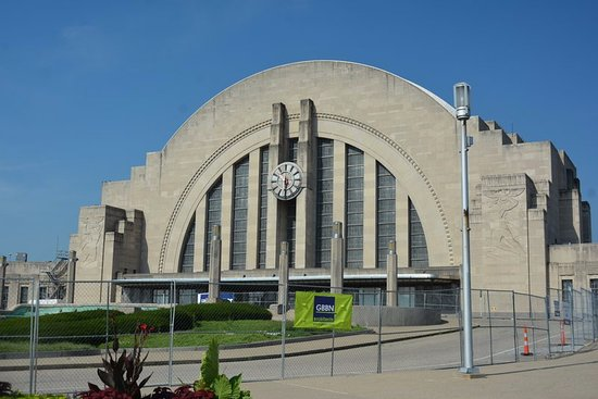 Cincinnati Museum Center at Union Terminal: Face of Museum - Old Union Station