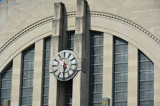 Cincinnati Museum Center at Union Terminal: Main facade of old Union Station - now the Museum