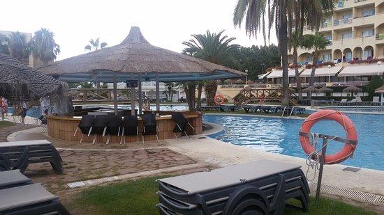 Evenia Olympic Suites Hotel: une des piscines cadre très agreable