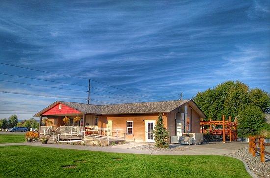 Hayden, Αϊντάχο: Chompers Cafe is nestled between Prairie Avenue and Stoddard Park...