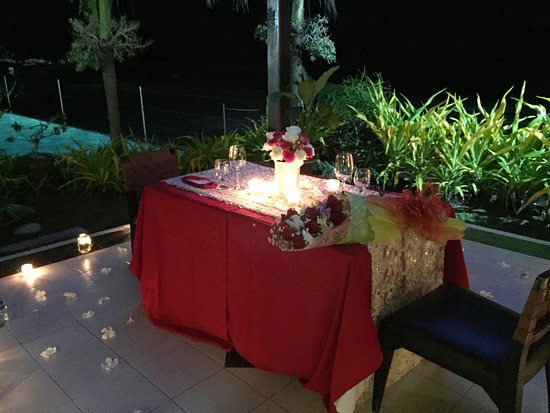 Kahuna Beach Resort and Spa: Candlelit Dinner