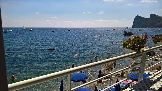 Marina del Cantone, Italien: Panorama dal ristorante annesso alla struttura